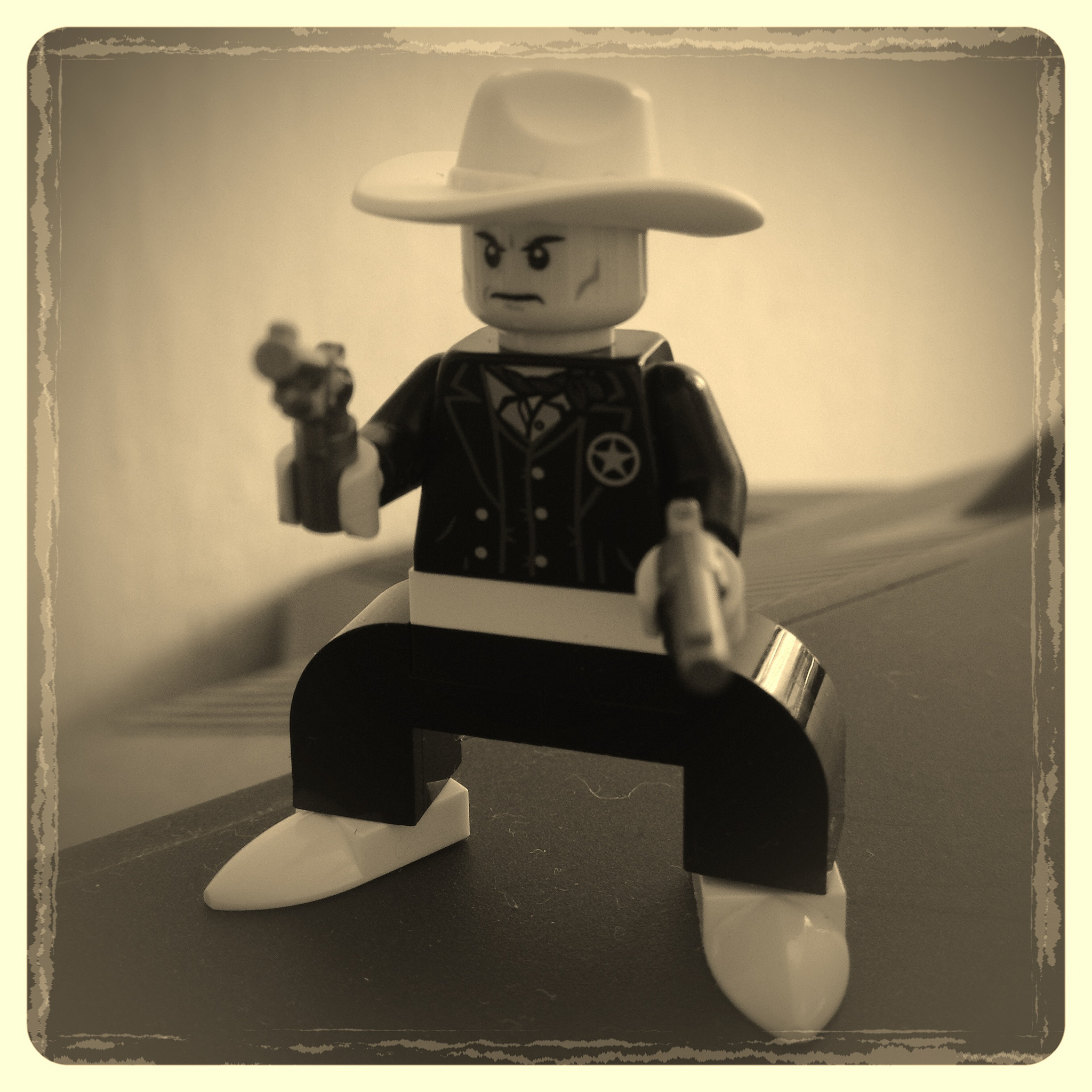 Sheriff Foto: Flickr/the_jetboy (CC BY 2.0) https://www.flickr.com/photos/biplex/9598334566/in/photolist-fCaYt1-2baSgk3-nMR2Np-j3eYpq-fdCMeC-iVvTto-p8AvDq-5ejdhH-az3EPj-jgukHm-iVy8H3-fszzi3-252GW4k-fscv6v-4uaqGB-QSFrvm-byRRRk-c6FSsu-6SicVz-29bNfkY-oZW9Na-esAk3Y-nmr6JW-f4Ezcx-5M4cDX-kPEK3g-mNJPBr-252tPa7-k2FMY1-bHr3qk-hFNmj-fbUk91-f4EBMD-iVwrmS-f4UBMQ-3ogQSw-eN5adj-eB4oY-6Ta3tC-4jJw2X-W7t6mW-oGjBmm-dJDGZQ-jgsr72-f95Y26-iVwnxQ-dMchz8-k2DL1B-az32zo-f95XZ8